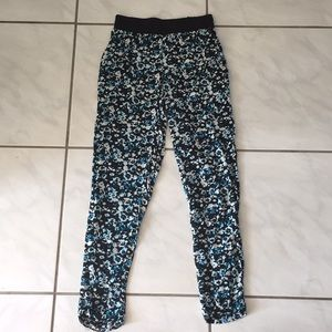 H&M elastic waist printed pants 4